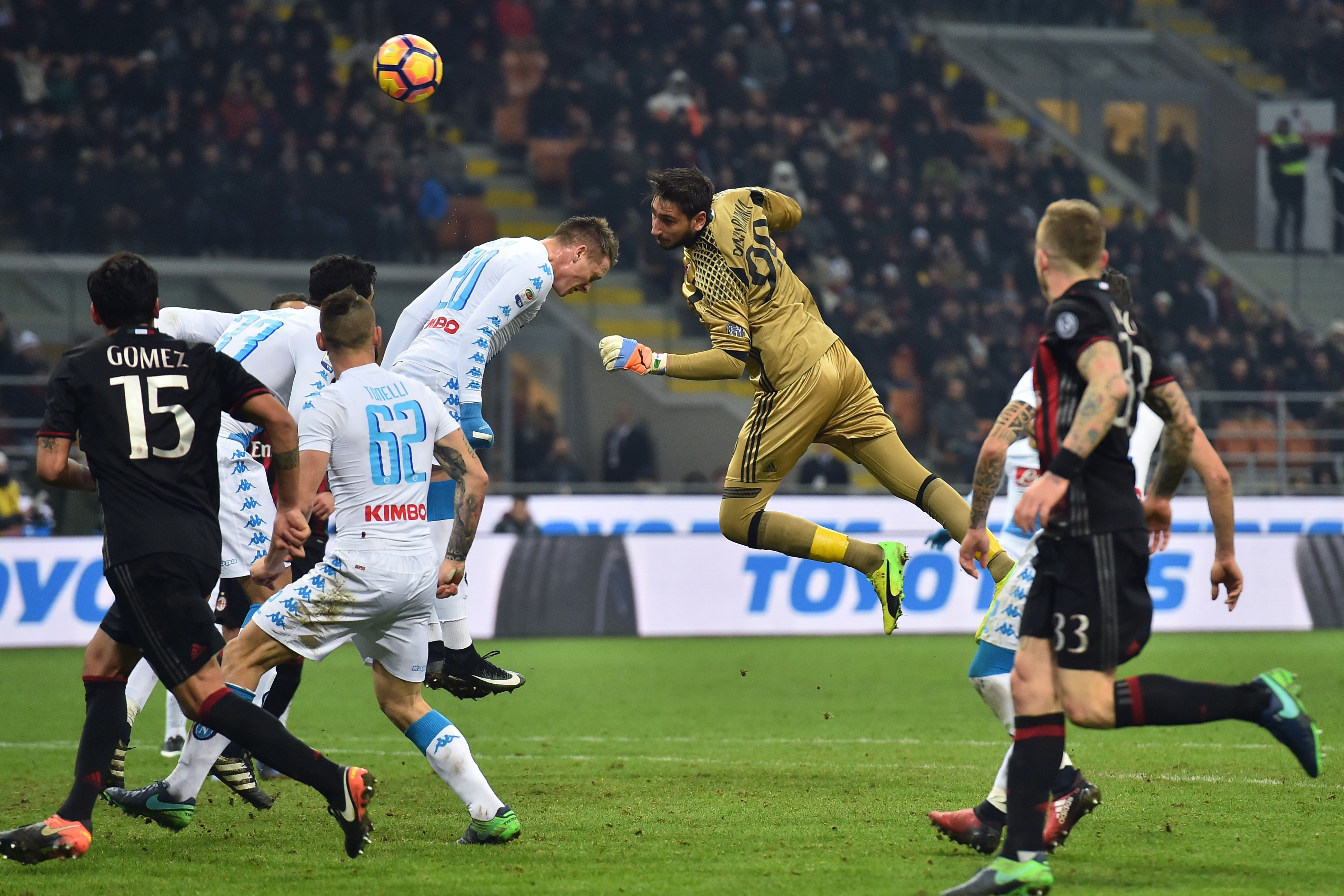 Ac milan vs napoly match images 6 Fashion Habits That Make You Look Old StyleCaster